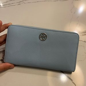 Tory Burch Wallet. Only used once!